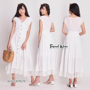ชุดเดรสยาวสีขาว